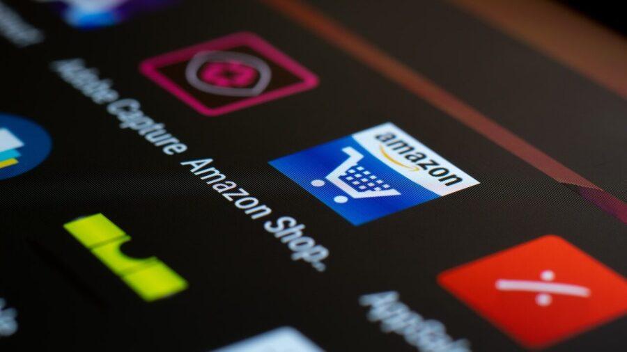 Далее мы рассмотрим одно из крупнейших имен в области технологий — Amazon