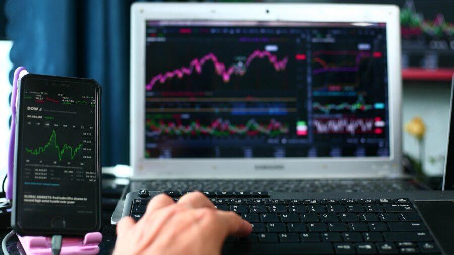 время торговли криптовалютой: паттерн падающая звезда